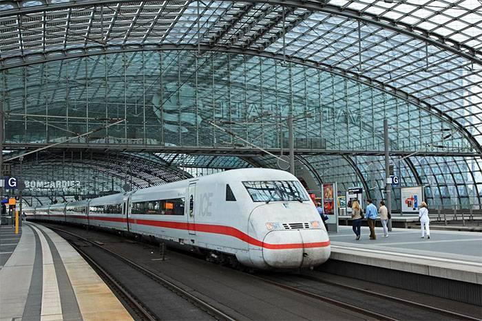 Viagens de Trens, Compra de Passagens, Viajando de Trem, Trem