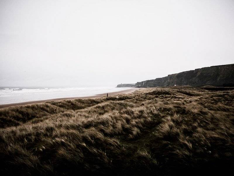 downhill-beach 7 lugares incríveis que inspiraram o mundo de Game of Thrones