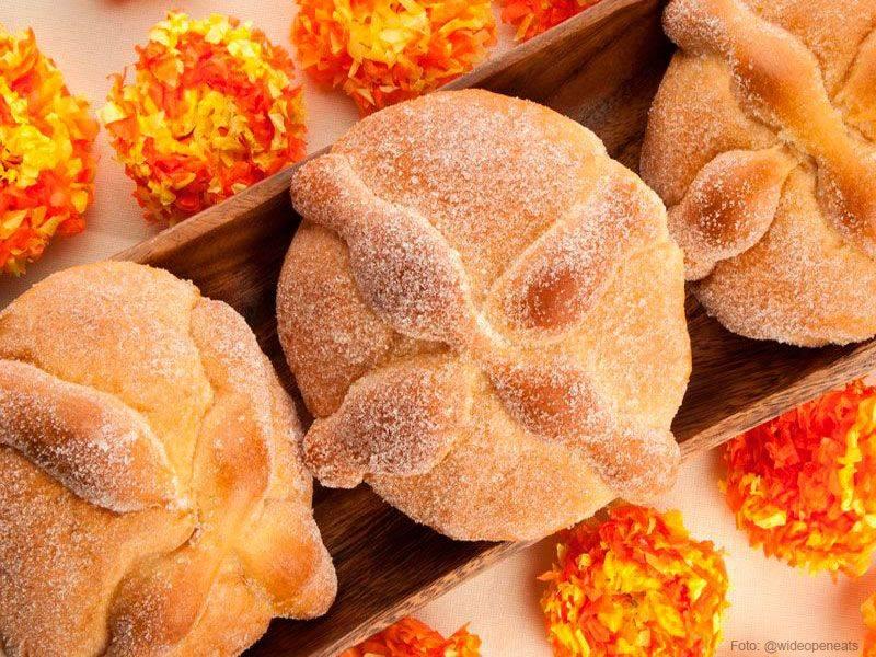 O Pan de Muerto é um pão doce tradicional no Dia dos Mortos, celebrado no México