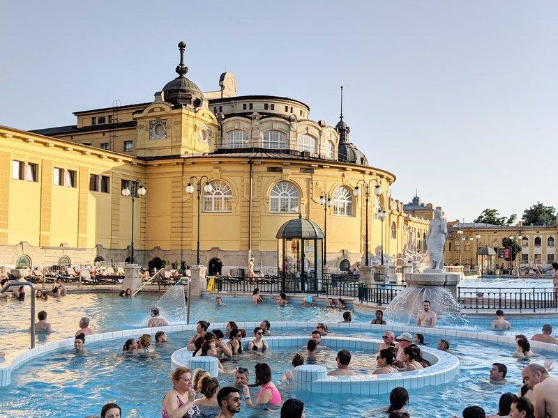 caas de banho em Budapeste, melhor destino europeu de 2019