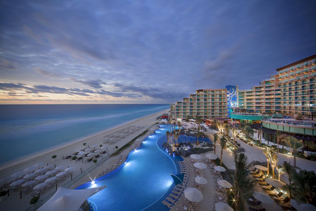 Hard Rock Hotel Cancun11